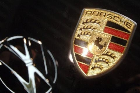 Инвесторы требуют от Porsche компенсации в 6 млрд. евро за скрытие планов слияния с Volkswagen
