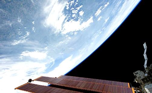 Космический лифт станет новым способом доставки грузов на орбиту