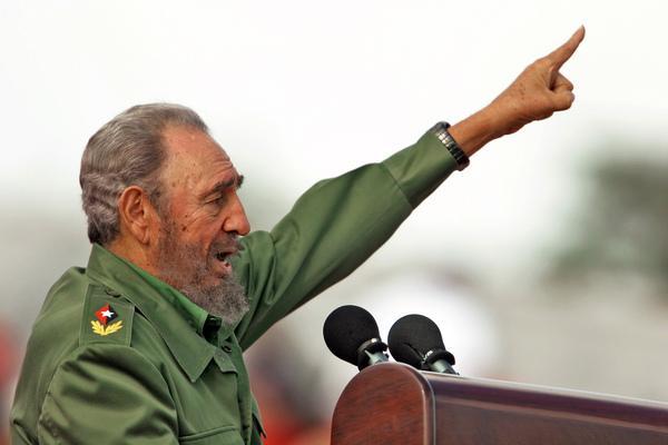 Фидель Кастро перенес инсульт и находится в тяжелом состоянии