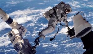 Что происходит с человеческим организмом в открытом космосе