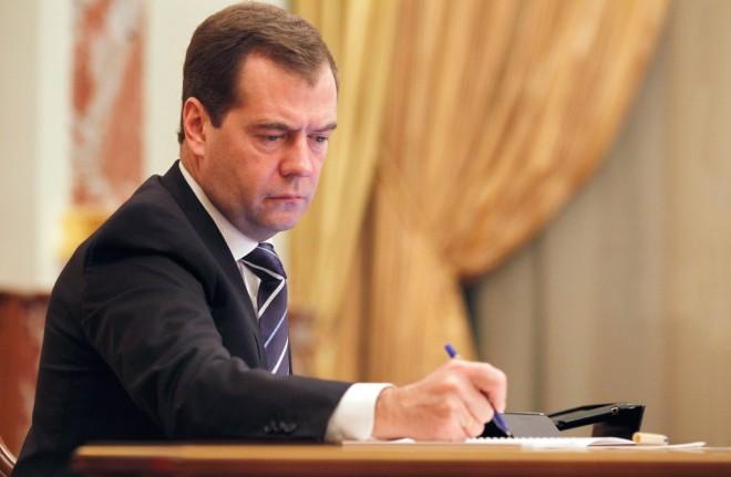 Медведев раскритиковал ученые степени, Вузы, и безобразную мобильную связь в Москве