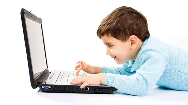 Дети, которые ежедневно сидят за компьютером, видят мир в 2D