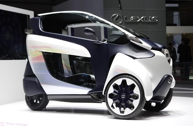 Toyota готовит к запуску трехколесной электромобиль и беспилотное авто