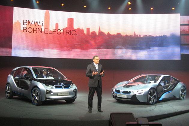 BMW на Франкфуртский автосалон 2013 поразил спортгибридом i8 и электромобилем i3