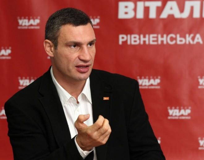 Кличко прокомментировал помилование Тимошенко и разрушения памятников «Свободой»
