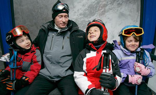 Путин осмотрел олимпийские объекты, но на лыжах так и не покатался