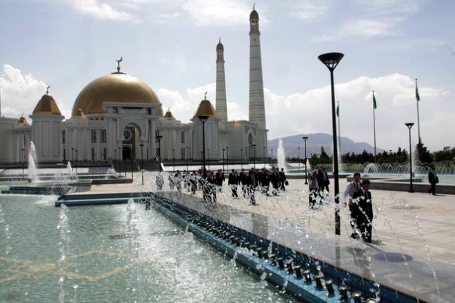 Ашхабад город из белого мрамора и чистого золота