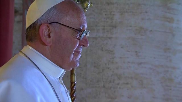 Папа Римский Франциск сделал первую запись в  Twitter и рассказал о своей зарплате.