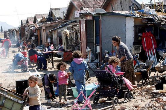 Французы сожги очередной цыганский табор.