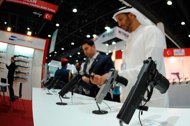 ІDEX-2013: ОАЕ закупило оружия почти на 3 миллиарда долларов, а Renault с Россией создадут новый танк.
