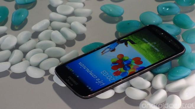 Samsung обновил Galaxy S4 и пообещал ему процессор как iPhone 5S