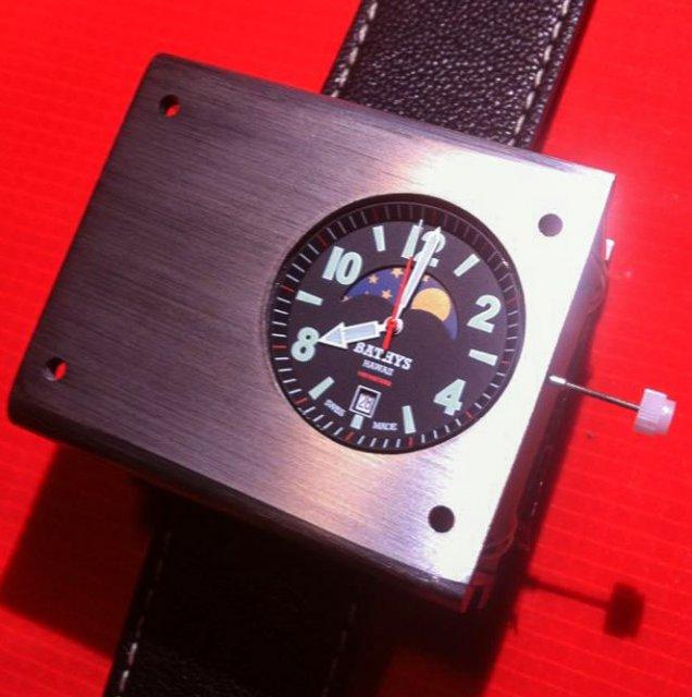 Созданы самые точные наручные атомные часы