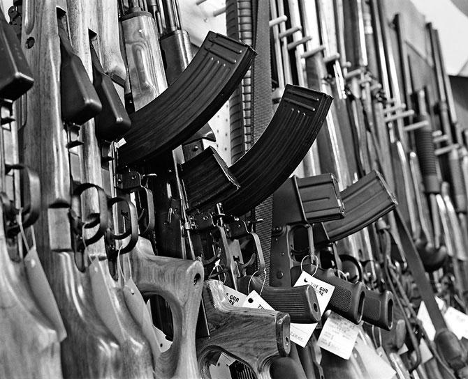 Нью-Йорк первый штат ужесточивший контроль за оружием
