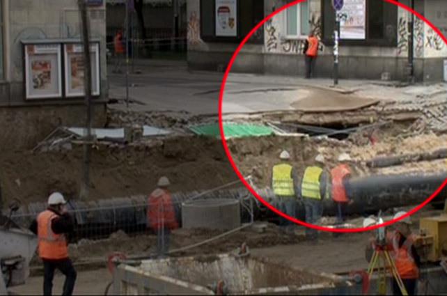 Центр Варшавы провалился из за метро