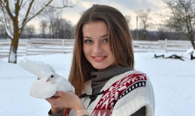 Победительница конкурсу «Мисс Украина-2013» стала будущей иконописец с Ивано-Франковска
