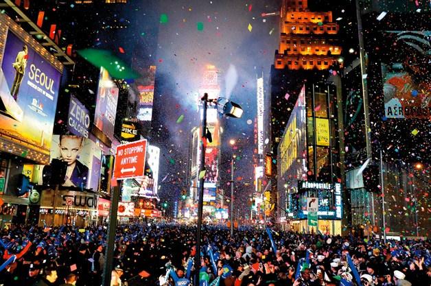 Новый год на Таймс - сквер и Красной площади встретят более миллиона человек
