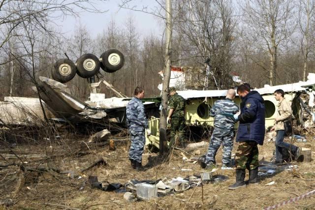 Польша заподозрила Россию в утечке страшных снимков под Смоленском.