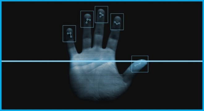 С Новым годом в Украину пришли биометрические паспорта.