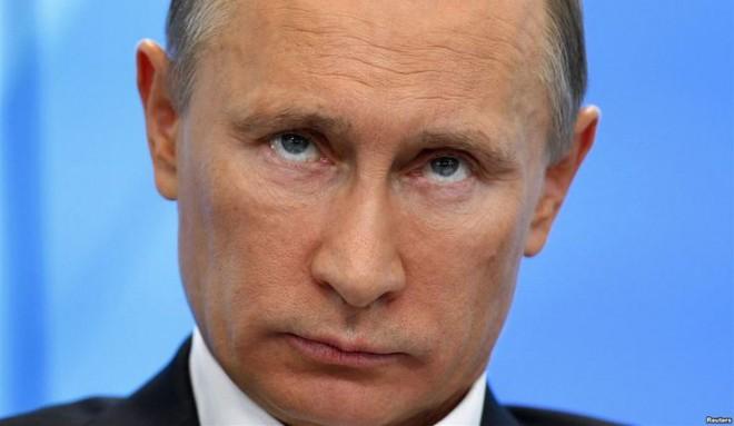 Путин «заставит» трудиться чиновников до 70 лет