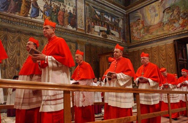 Сегодня Ватикан объявит дату выборов Папы Римского