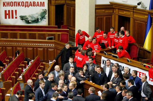Мнения Партии Регионов и оппозиционеров, наконец, совпало.