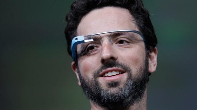 Сергей Брин учил Марка Цукерберга пользоваться очками Google