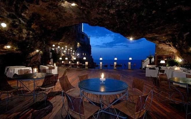 ТОП-10 самых дорогих и самых необычных ресторанов.