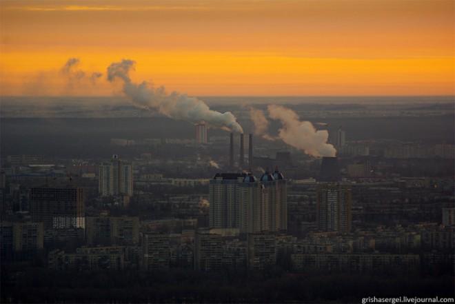 Новая авария на Дарницкой ТЭС оставила без тепла и света пол Киева