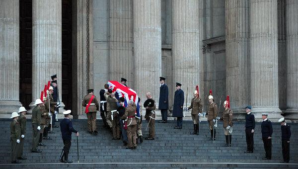 Сегодня британцы проводят в последний путь Маргарет Тэтчер