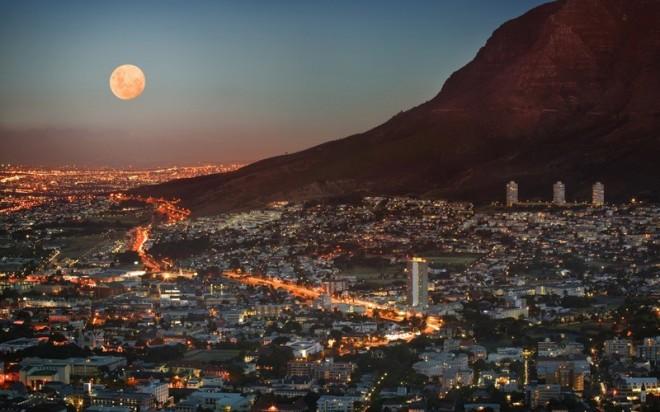 ЮАР —  современная страна на краю мира