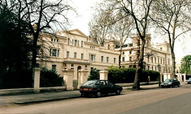 Проводя реконструкцию лондонского особняка Абрамович, перекроет вид на Темзу лидеру Rolling Stones.