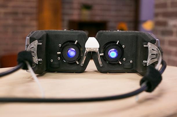 Видеоочки Virtual Retinal Display проецируют 3D-картинку прямо на сетчатке глаза