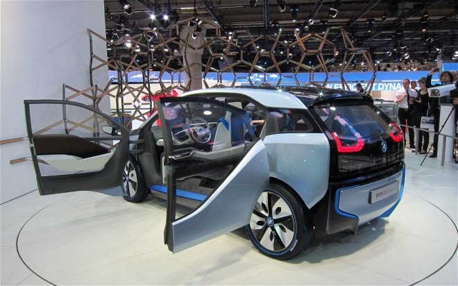Какой он первый электромобиль от BMW?