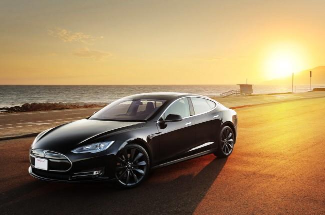 Tesla Motors через три года превратит водителя в пассажира