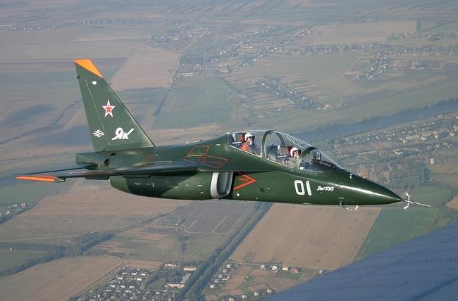 Сделав из учебно-тренировочного самолета Як-130 боевой, россияне получили первые заказы