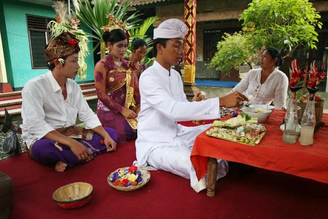Безумные и невероятные  свадебные ритуалы