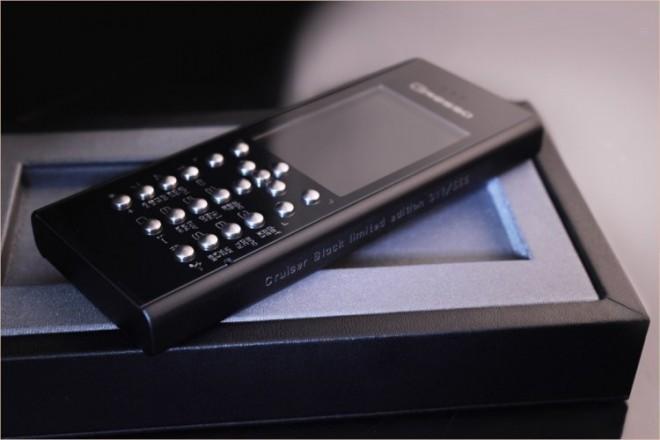 Компания Gresso представила телефон за 2 500 долларов, который невозможно поцарапать.