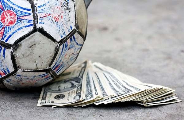 Новый налог во Франции обойдется футбольным грандам в 82 миллиона евро.