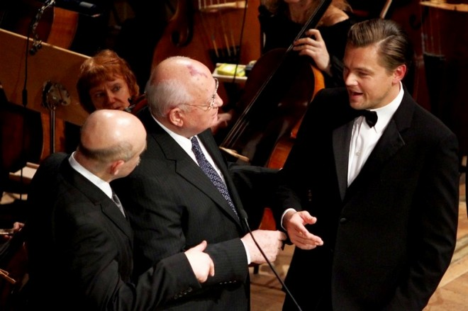 Сценарист «Секретных материалов» примет участия в сьемках нового фильма о Михаиле Горбачеве.