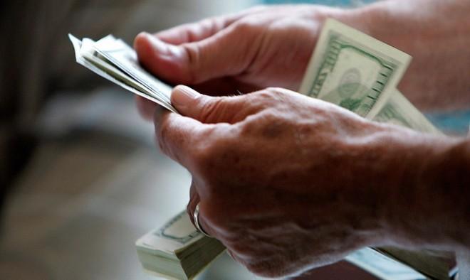 За эксклюзивный автомобильный номер швейцарец заплатил 145 тысяч долларов.