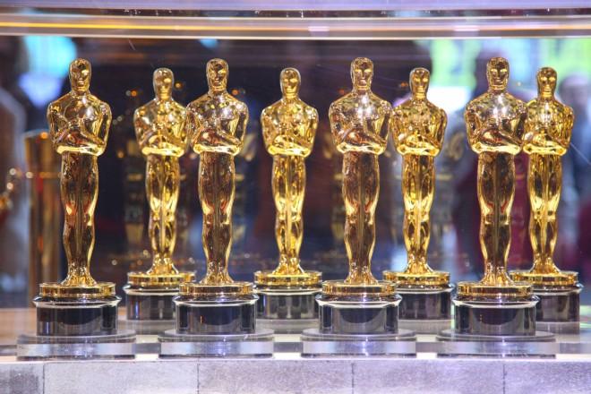 Среди номинантов на Оскар есть Хобитт, «Линкольн», «Арго», »Жызнь Пи» и «Мой парень псих»