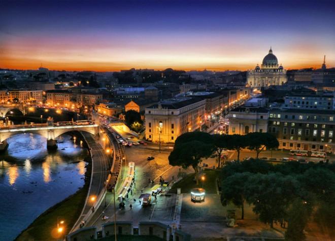 Ватикан объявил тотальную распродажу